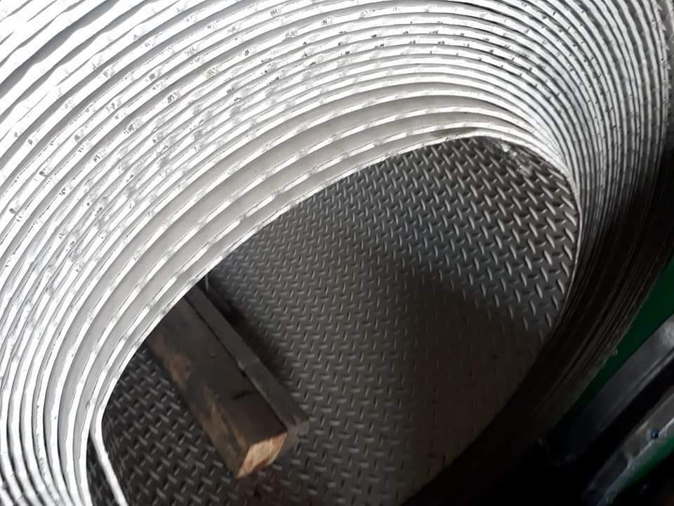 Cuộn gân đúc inox 304